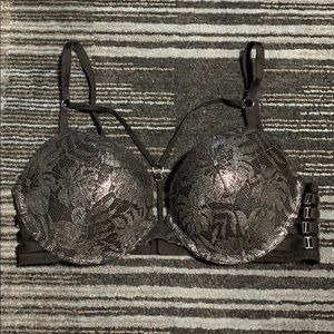 VICTORIA SECRET BLACK BRA